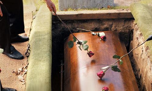 Видеть во сне похороны и гроб